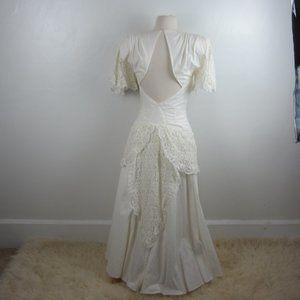 Vtg Circa 70s Victorian Tea Dress Peplum Lace 8